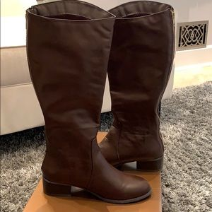NWT Tall brown boots